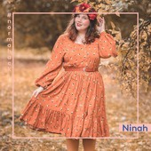 And last but definitely not least: a Norma dress by @ninaahbulles ! There were so many beautiful Norma dress hacks which didn't make it easy for us to choose. Ninah's gorgeous photoshoot convinced us to choose her as a winner! She changed the neckline into a square shape and added a ruffle bottom. Perfect. 🧡⠀⠀⠀⠀⠀⠀⠀⠀⠀ ⠀⠀⠀⠀⠀⠀⠀⠀⠀ #fibremood #fibremoodmagazine #sewingmagazine #patternmagazine #sew #sewista #welovesewing #instasew #instasewing #sewersofinstagram #sewcialist #diy #couture #makersgonnamake #diywardrobe #memade #memadeeveryday #diyfashion #ilovesewing #makeitsewcial #sewist #millennialsewing #sewing #sewistsofinstagram #jecouds #jeportecequejecouds